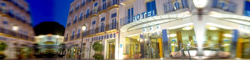 hotel-los-habaneros-fachada-nocturna