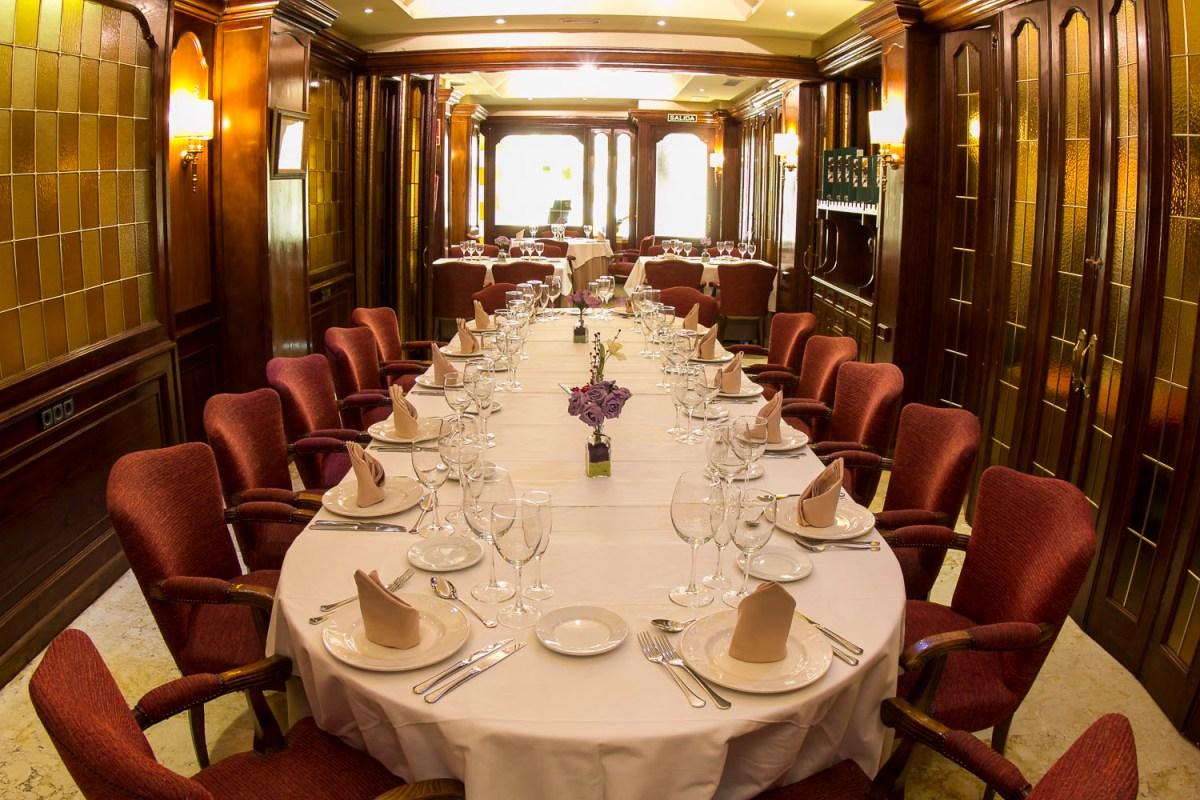 Restaurante hotel los habaneros hotel los habaneros for Disenos de mesas para restaurantes